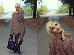 Gina Vadana - Vintage Store Sweater, H&M Necklace, H&M Socks, Dr. Martens Boots, Crop Town Bag, Only Ring - SWEET SWEATER