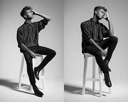 Dominik Ventura - H&M Chelsea Boots, H&M Skinny Jeans - Wearing black till there's something darker