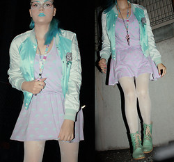 Annika Miettinen - United Colors Of Benetton Glasses, Creamy Mami Keychain, Dls Palm Tree Dress, Andiamo Turquoise Boots - PIMEA KAVELY