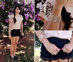 Carolina Barboza - Maria Filó Para C&A Shirt, Charlotte Russe Lace Shorts, Forever 21 Slippers, Forever 21 Bracelet - Lace and flowers