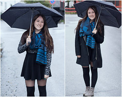 Andrea Fostervold - Cubus Sweater, H&M Skirt, H&M Scarf, H&M Socks - My love for atzec and knee high socks