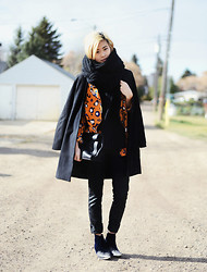 Alyssa Lau - Crow's Nest Knits Oversized Knit Scarf, Choies Jacket, Articles Of Society Waxy Jeans, To Be Announced Velvet Ankle Boots - Ripped jeans in the playground nursery