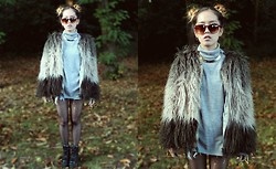 Diane Landers - Thrifted Turtle Neck Top Dress, Thrifted Gold Choker, Nasty Gal Tie Dye Fur Jacket, Unif Cross Trainers - Fur 2#