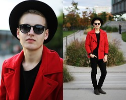 Patrick Pankalla -  - RED PEACOAT