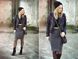 Lena R.F. - H&M Beanie, Carlings Leather Jacket, Gina Tricot Skirt, Zara Boots, Gina Tricot Top, Pieces Purse - All good