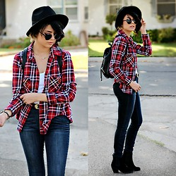 KENDALL SANCHÈZ - Hat, Flannel, Pink Backpack, Forever 21 Necklace, Tank Top, Minkpink Belt, Jeans, Boots - .Everyday.