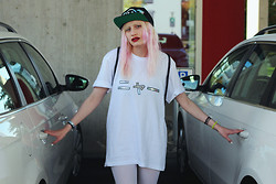 †Norelle Rheingold† - Fashion Can't Die By Norelle Rheingold The Dolphin's Tears Snapback, Fashion Can't Die By Norelle Rheingold Japanese Meow Tee, H&M Leggings (White) - Meow ニャー