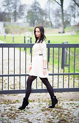 Patrycja T - Mosquito Dress, Centro Shoes, H&M Belt - Beige dress