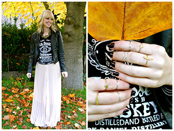 Signe Savant - Cichic Pleated Skirt, A Wild Violet Knuckle Rings - Happy Birthday to me...
