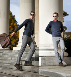 Oliver Lips - Massimo Dutti Sweater, H&M Pants, Hugo Boss Boots, Bric's Travel Bag, Ray Ban Sunglasses - #menlovefashion