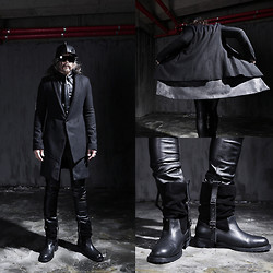 INWON LEE - Rick Owens Coat, Byther Boots - Come and go freely