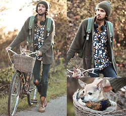 Bobby Raffin - Nemis Mosaic Graphic, Urbanears Headphones, Thrifted Knitted Scarf, Thrifted Mustard Combats - Keeping Warm