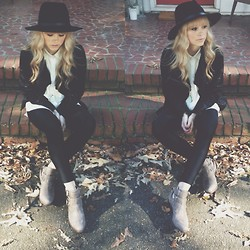 Mary Ellen Skye - Lululemon Tights, Urban Outfitters Hat, Matisse Boots, Madewell Tuxedo Shirt - Hello