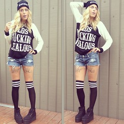 Akward Gazelle - Ardenes Socks, Deena And Ozzy Flatforms, Unif Compton, Urban Outfitters Sweater - Bad ass blonde