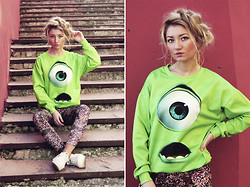 ♡Anita Kurkach♡ - Romwe Sweater, Voodoo Girl Leggins - Monsters University 3D