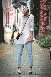 Sietske L -  - Big beige knit