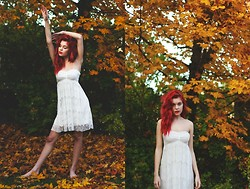 Nymphaea H - White Dress, Red Lips, Olia Intense Red Autumn Hair - Love Autumn
