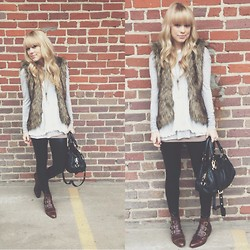 Mary Ellen Skye - Modern Vice Jett Boots, Marc By Jacobs Bag, Lululemon Pants, Free People Top - Don't do me wrong