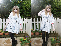 Sarah Worcester - Asos Smock Dress, Asos Boots - New tattoo= New Dress.....