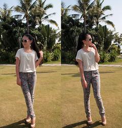 Maggy Hsu - Chanel Earrings, American Eagle Top, 千惠佳人 Pants, Daphne Heels - I Want a Flower Crown :)
