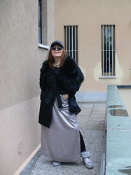 Olga Rink - H&M Hat, Tomoko Tokuda Necklace, Made My Self Fur Scarf, Ovs Coat, Made Myself Skirt, Abisso Milano Sneakers - If you were coming in the Fall....