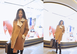 Wendy Wong - Beahappygirl Coat - Shearling Coat