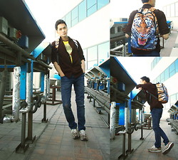 Chris Su - Uniqlo Tee, Uniqlo Shirt, Zara Jeans, Adidas Sneakers, Sprayground Bag - Roar...Agian