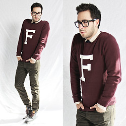 Reinaldo Irizarry - Forever 21 Sweater, Club Monaco Shirt, Forever 21 Tie, Levi's® Corduroy Pants, Levi's® Field Boot Sneakers, Tom Ford Glasses - F FOR FRIDAY