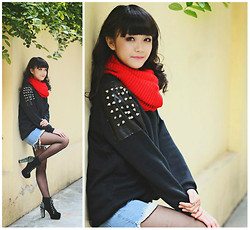 Xu Sophie - Sheinside Jumper, Red Knitted Cowl, Jean Shorts, Black High Heel Platform Gold Spike Studs Lace Up Boots - That day we met in October