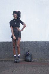 Ronan Mckenzie - Ohmylove Raise It Up Black Paisley Mini Skort, Jeffrey Campbell Platrane - Oh my winter