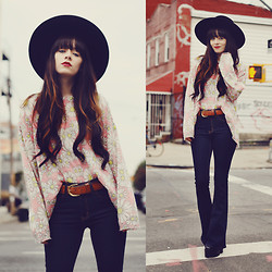 Rachel-Marie Iwanyszyn - Wildfox Couture Sweater, Gypsy Warrior Bell Bottom Jeans - HIPPIE VIBES.