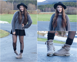 Andrea Fostervold - Cubus Hat, Bik Bok Sweater - 'Hatting' it up