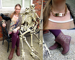 Taylor Doucette - Poetrie Cocoon Cardi, Midnight Girls Chain Necklace  Kim Kardashian Inspired, Goddiva Booties, All About Eve Purple Leggings With Leather Accents - In God's Hands- Nelly Furtado