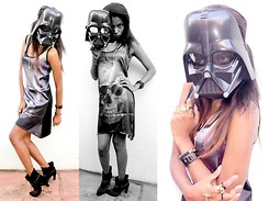 Kassia Felix - Official Star Wars Costumes Darth Vader Mask, Santa Lolla Open Boot Spike, Thirty Seconds To Mars Store Triad Silver, Thirty Seconds To Mars Store Glyph Ring - Dark Vader Skull ☠