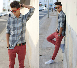 Yacine Ounassér - H&M, H&M Pant, Convers, Ray Bane - Happiness is not something ready made...!