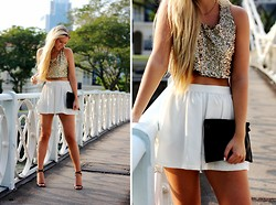 Fanny Staaf - Imso Top, Topshop Shorts, Sarenza Clutch - SINGAPORE RIVER