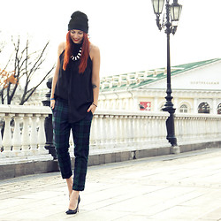 Masha Sedgwick - Romwe Pants, Topshop Necklace, River Island Shoes - Moscow Fashion Week