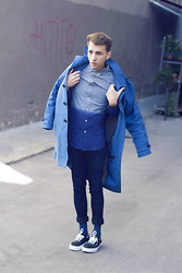 Jorge Barceló - Topman Shirt, H&M Coat, Topman Jeans, S.Oliver Socks, Vans Sneakers - Roll Up