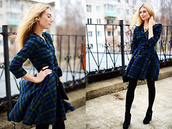 Valeriia Volkova - Dress - MY TARTAN DRESS