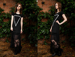 Elizabeth Gracie - Endless Maze Short Sleeve Dress, Miss Selfridge Gothic Dress - Endless Maze