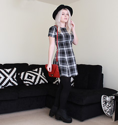 Robyn Mayday - Ebay Fedora, In Love With Fashion Check Tea Dress, Red Clutch Bag, H&M Vagabond Dupe Boots - Check Tea Dress Love
