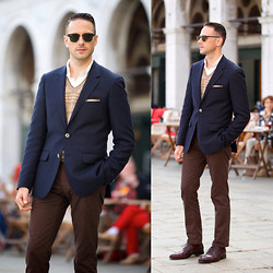 Brian Sacawa - Ray Ban Sunglasses, Reiss Blazer, Brooks Brothers Sweater, Gap Pants, Johnston & Murphy Shoes - Venezia