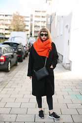 Amelie . - Cos Scarf, Ganni Coat, Sandro Bag, Acne Studios Jeans, Nike Sneakers, Ray Ban Sunnies - Amazed Mag: Orange
