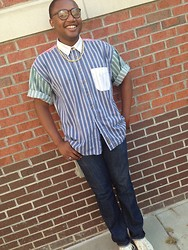Kedrick Pasley - Carbon Gold Necklace, Old Navy Dark Blue Jeans, Converse White - Don't let the world change your smile.
