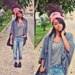 Muny B - Bershka Beanie, Urban Outfitters Faux Fur Cardigan, Lefties Ripped Jeans, H&M Bag - Bad Girl Behavior