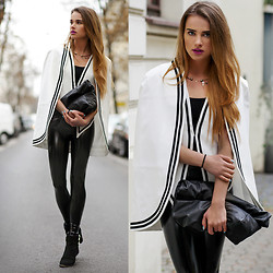 Juliett Kuczynska - Http://Www.Voguec.Com/ Blazer, Leggings - Florence + The Machine - Spectrum / maffashion