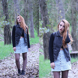 Cátia Gonçalves - Bershka Leather Vest, Zara Cardigan, Blanco Skirt, Pull & Bear Cut Out Boots - Between fallen leaves