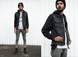 Andrés Cruz - Boy London Beanie, Asos Denim Sleveless Jacket, Basic Black Hoodie, Zara Print Tee, Pull & Bear Skinny Pants, Asos Stag Ring - Anarquia Denim