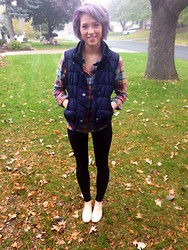 Abbie Marie - Route 99 Vest, Flannel, Juicy Couture Nude Flats - Finally a true minnesotan