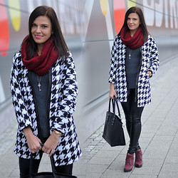 Renata M.. - Vjstyle Coat, Sheinside Sweater, H&M Pants, Reserved Scarf, By Dziubeka Jewelery - Houndstooth coat